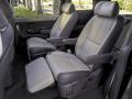 Kia Sedona: Second Row Lounge Seats