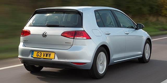 2013-Volkswagen-Golf-Bluemotion-2