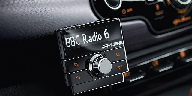 Alpine-DAB-digital-radio