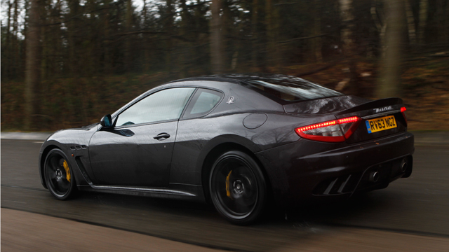 Maserati_GranTurismo_MC_Stradale_black_rear