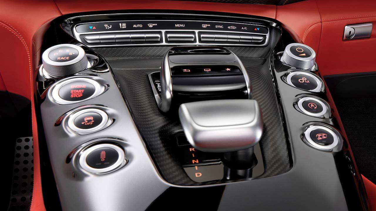 Mercedes-AMG GT interior 05