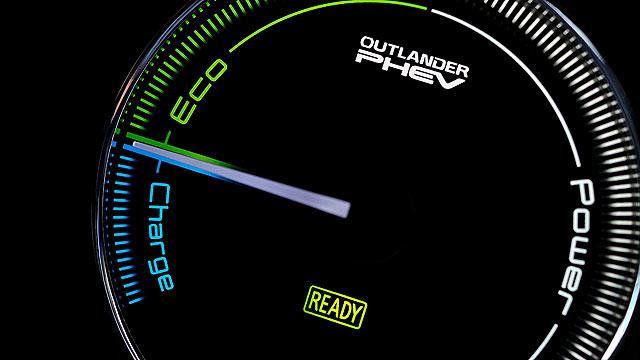 Mitsubishi Outlander PHEV 2014 5