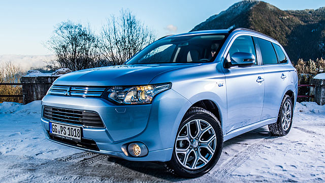 Mitsubishi Outlander PHEV 2014