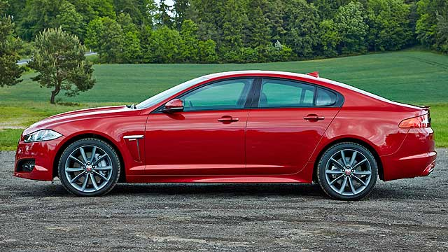jaguar xf r sport review 2014 first drive motoring. Black Bedroom Furniture Sets. Home Design Ideas