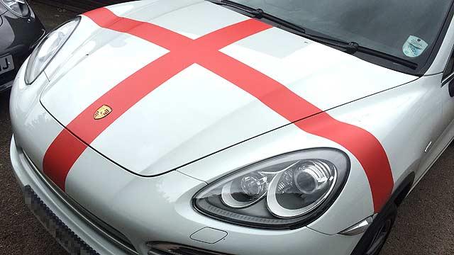 Porsche Cayenne England FC