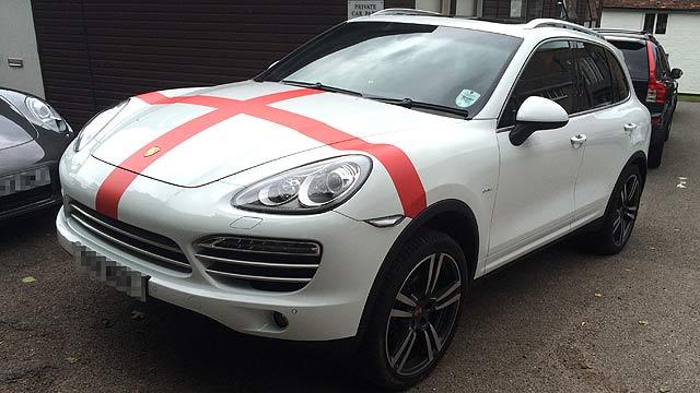 England FC Porsche Cayenne