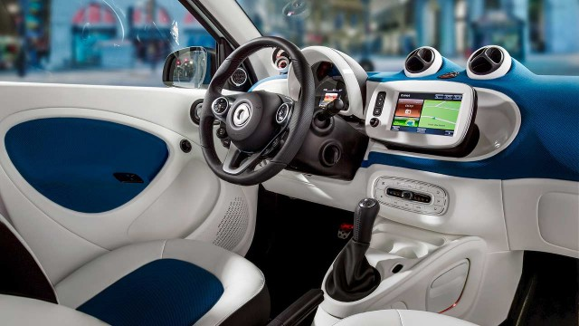 2014_Smart_Fortwo_Forfour_003