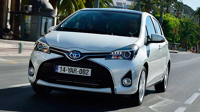 2014_Toyota_Yaris_review