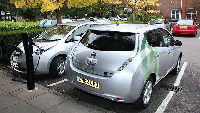 Nissan-LEAF-Car-Club