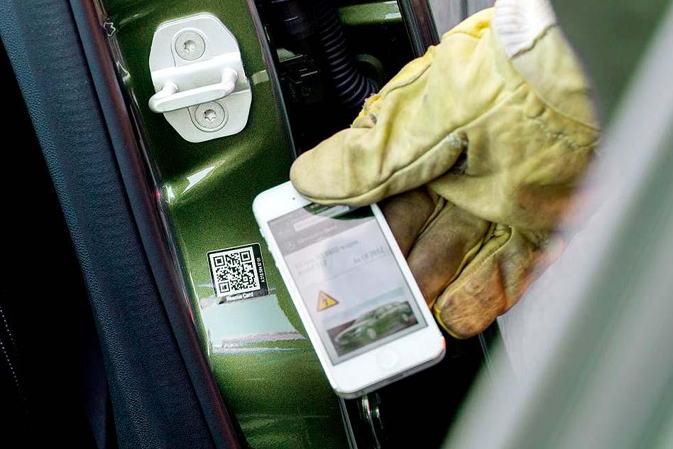 Mercedes-Benz Rescue Assist