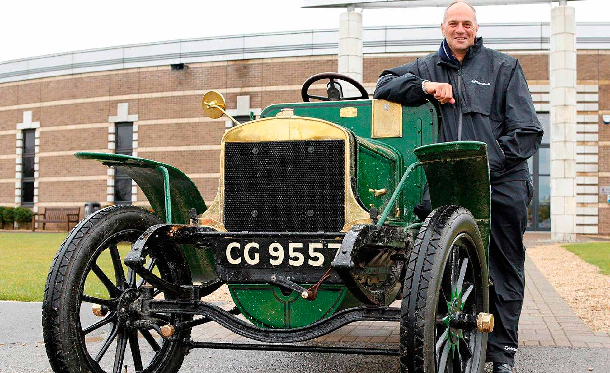 Sir Steve Redgrave and 1904 veteran car