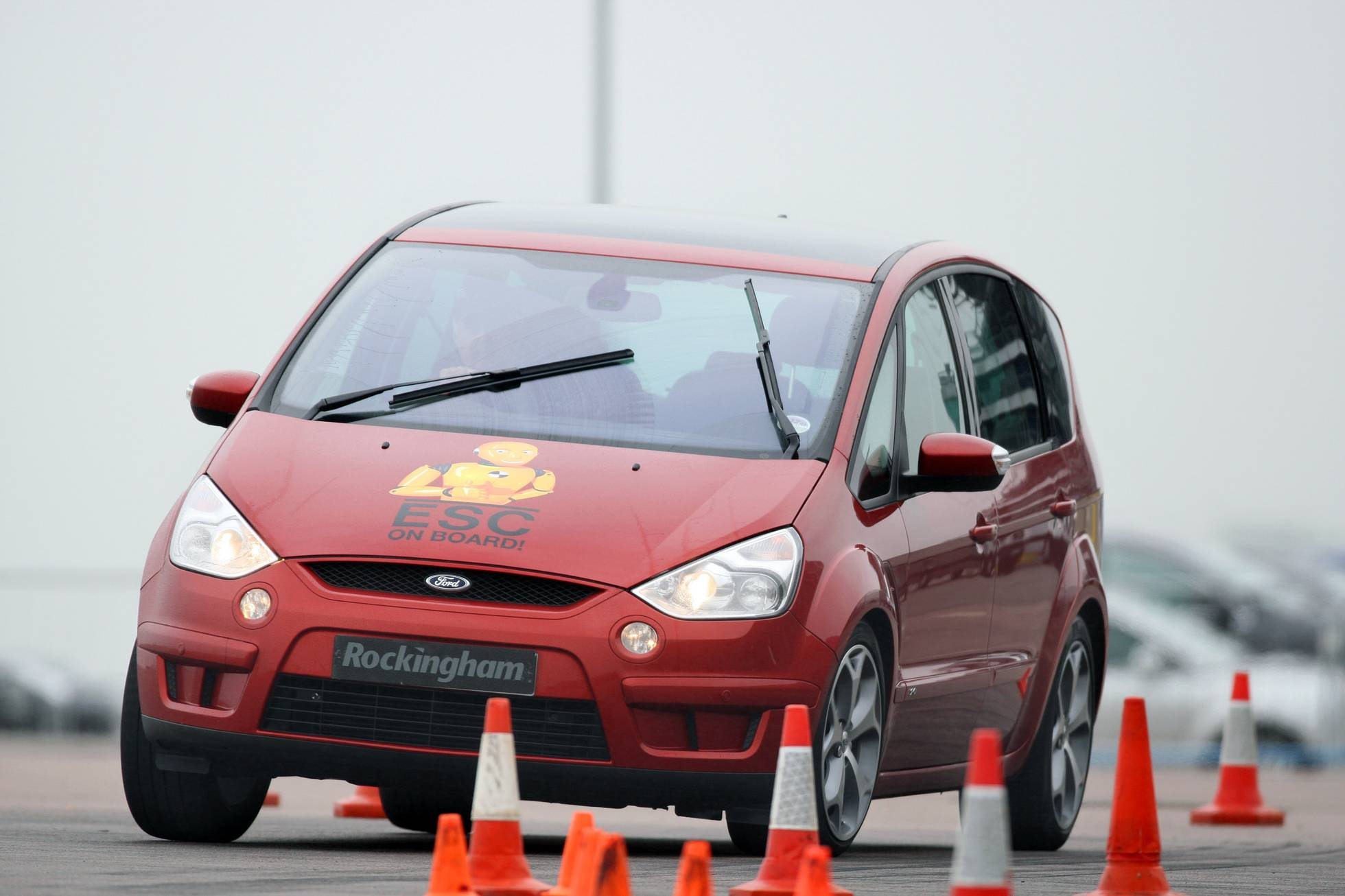 Ford S-Max with ESC