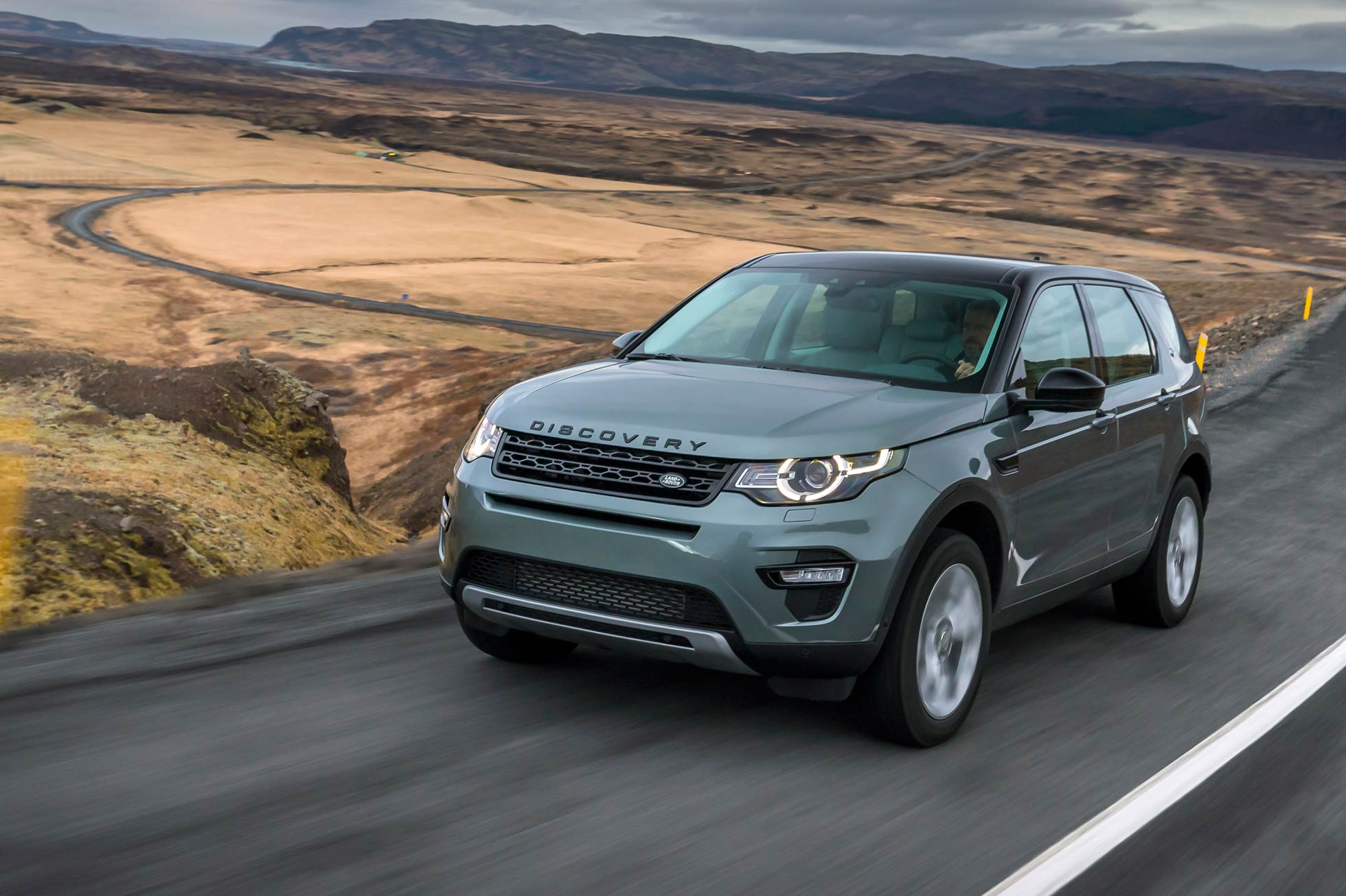 land rover discovery sport motoring research. Black Bedroom Furniture Sets. Home Design Ideas
