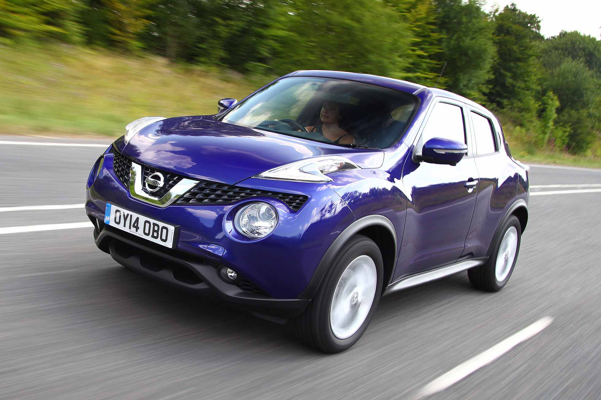 photo news and first edition juke original drive driver nissan review car info photos s reviews stinger kia