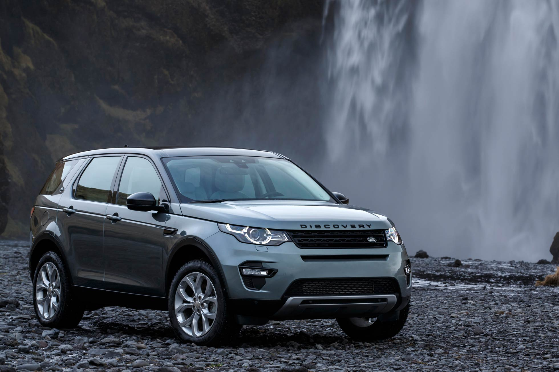 land rover discovery sport 2015 first drive review motoring research. Black Bedroom Furniture Sets. Home Design Ideas