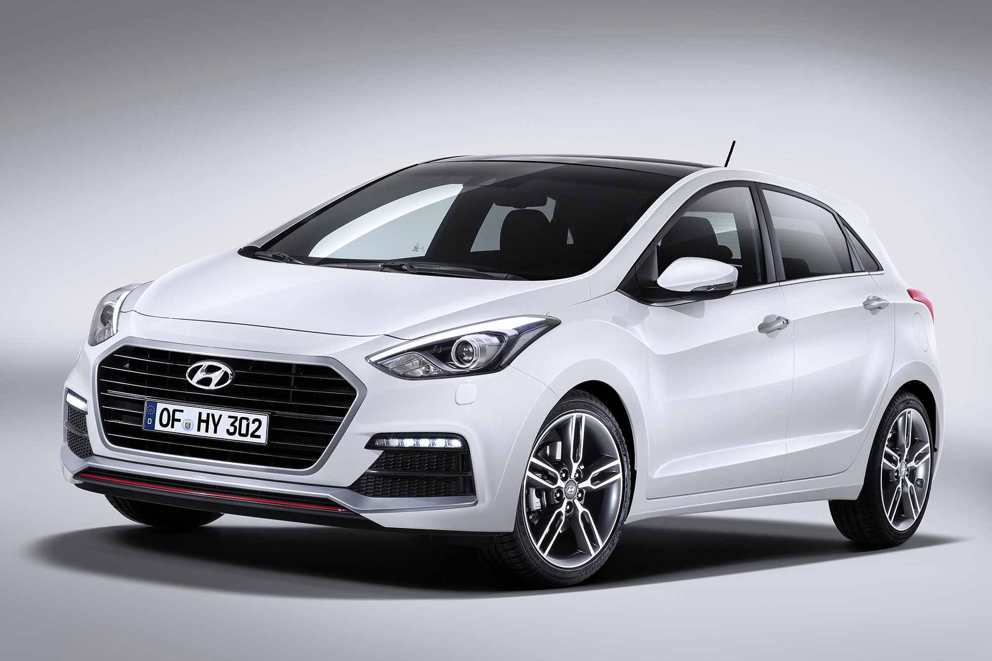 new hyundai i30 turbo heads facelifted 2015 range. Black Bedroom Furniture Sets. Home Design Ideas