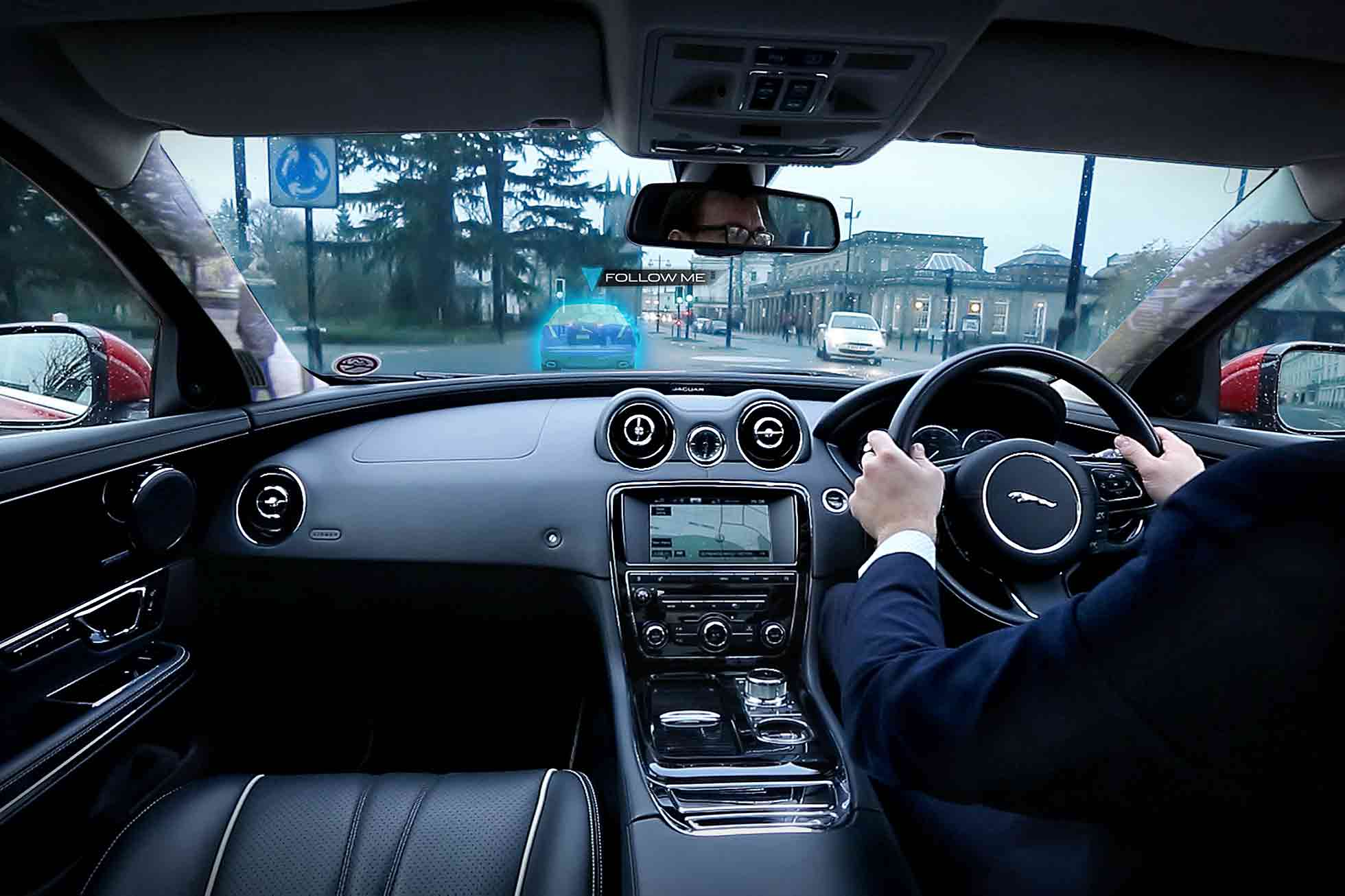 JLR 360 Virtual Urban Windscreen