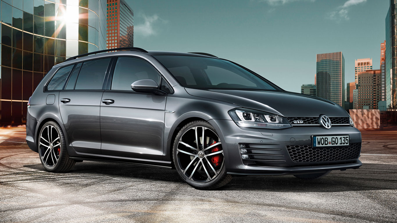 Volkswagen Golf GTD estate revealed ahead of Geneva Motor Show debut
