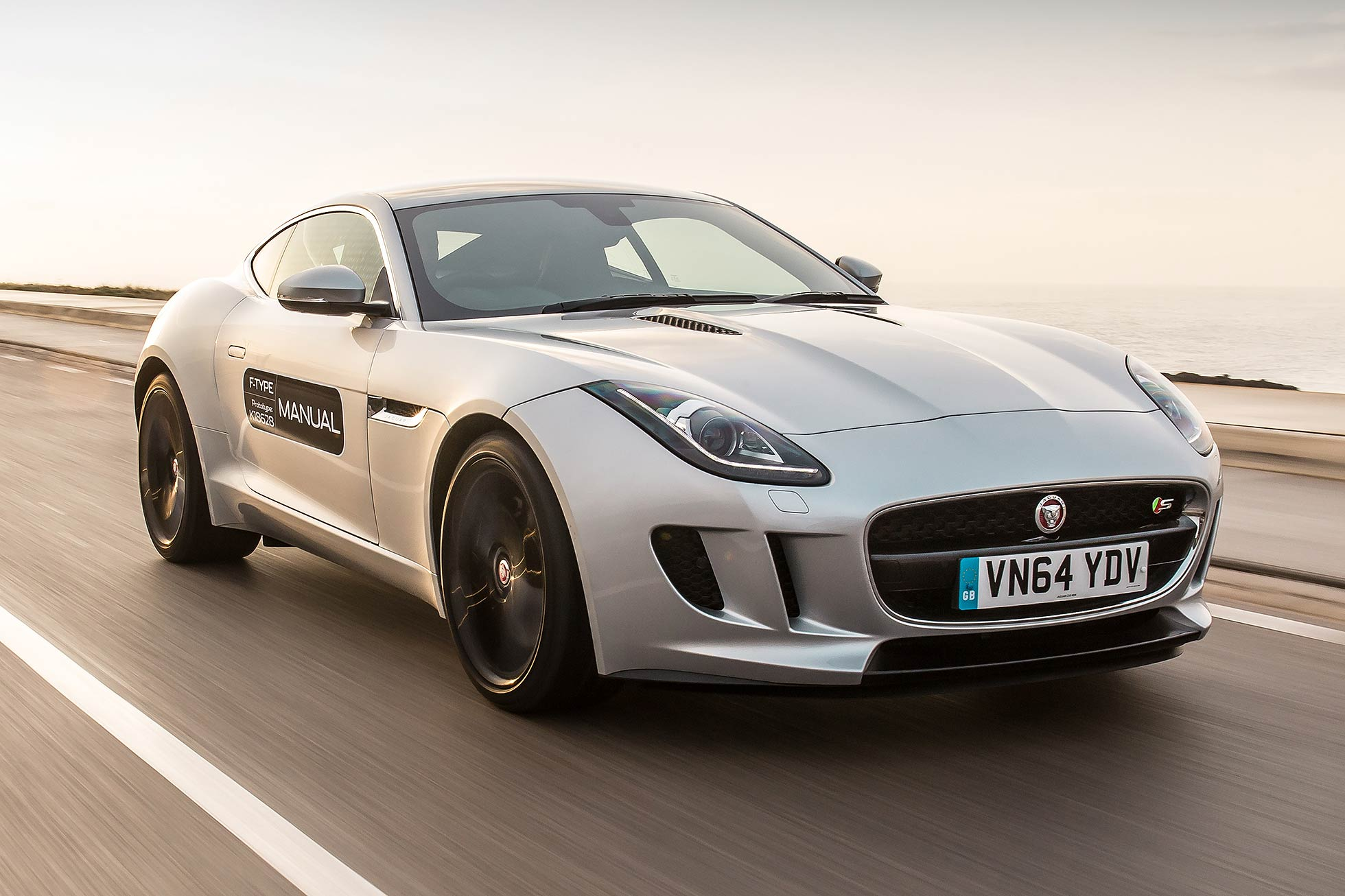 Jaguar F-Type manual 2015
