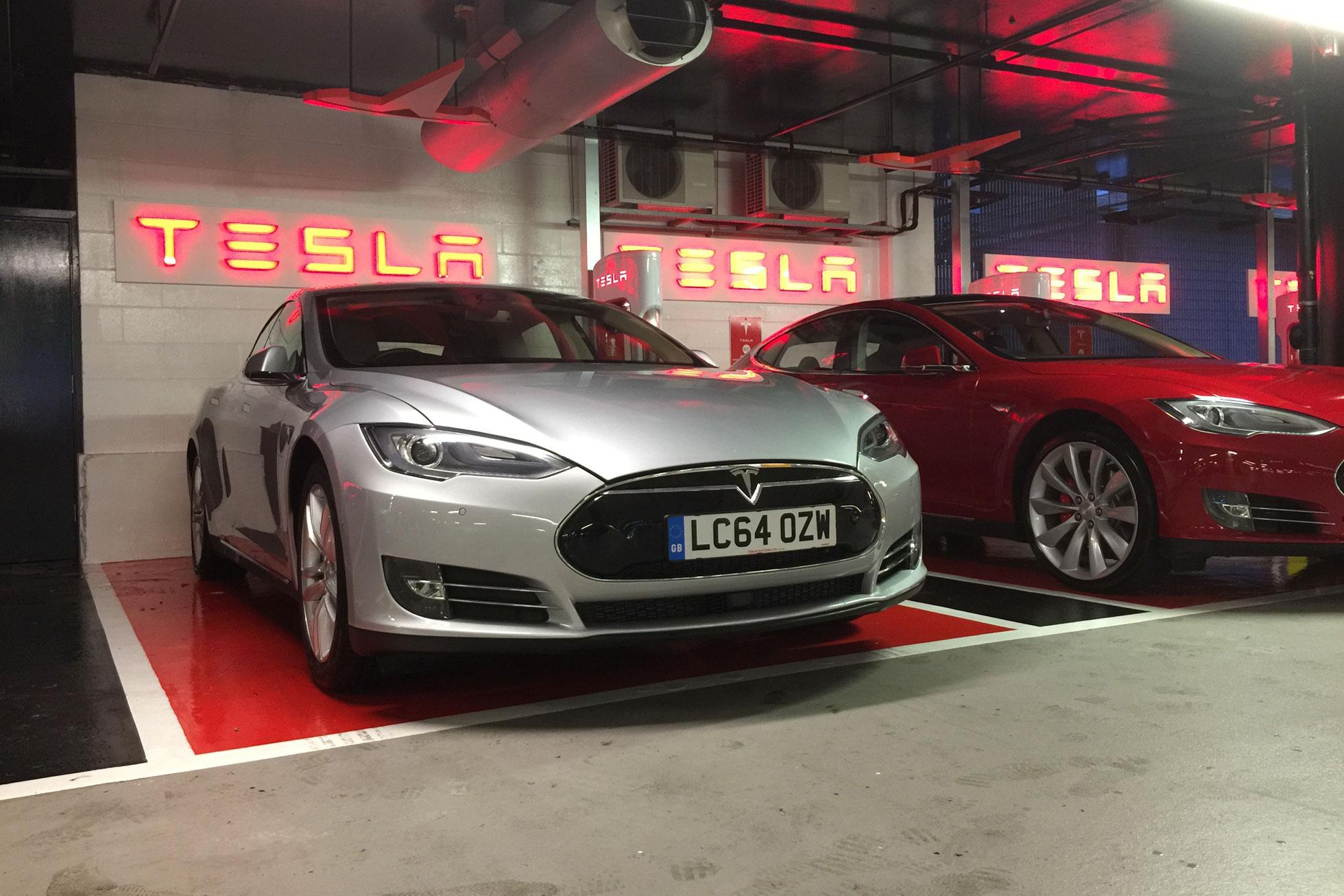 8_Tesla_Model_S_Motoring Research