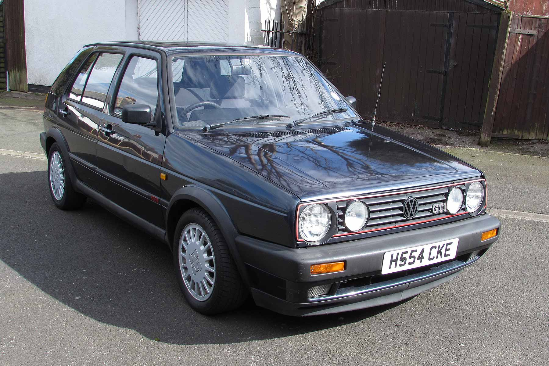 1990 Volkswagen Golf GTI Mk2 | Motoring Research