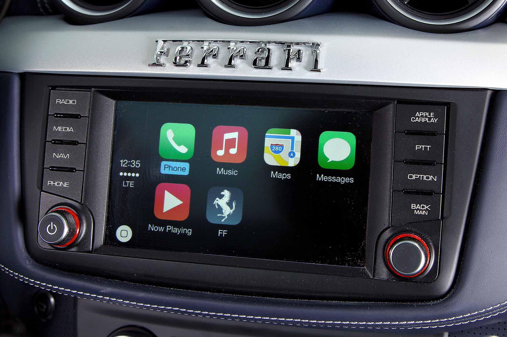 Ferrari Apple CarPlay