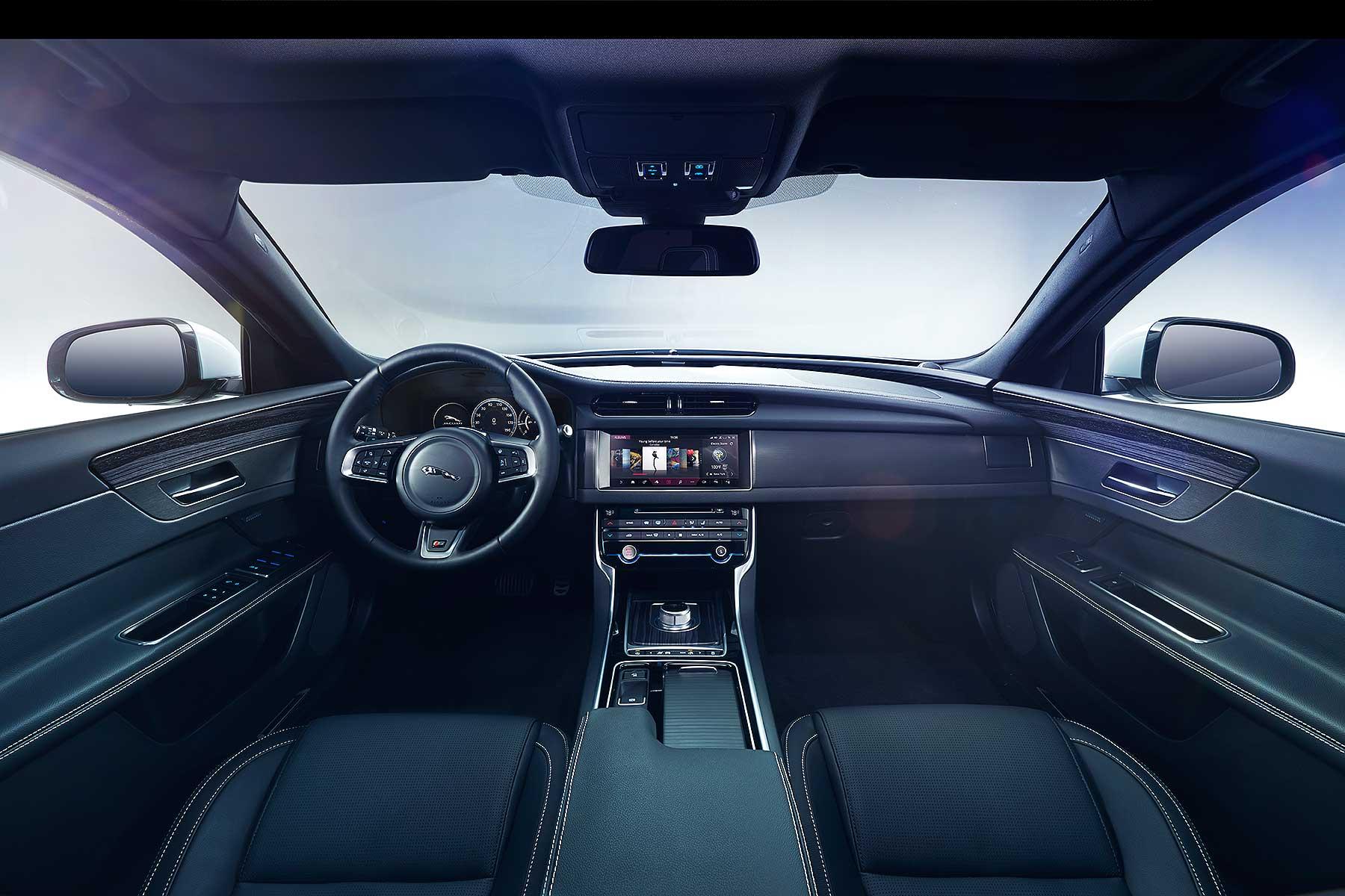 2015 Jaguar XF S teaser