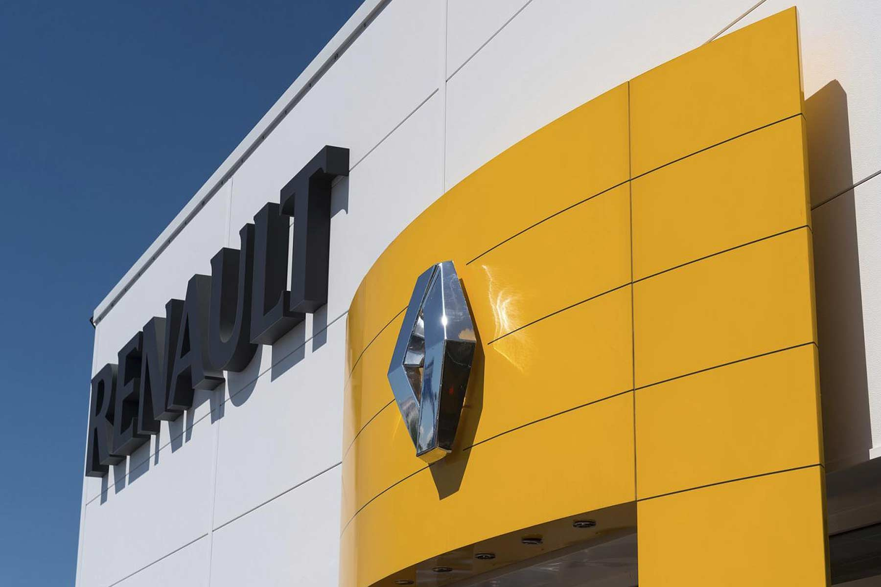 Renault dealer logo