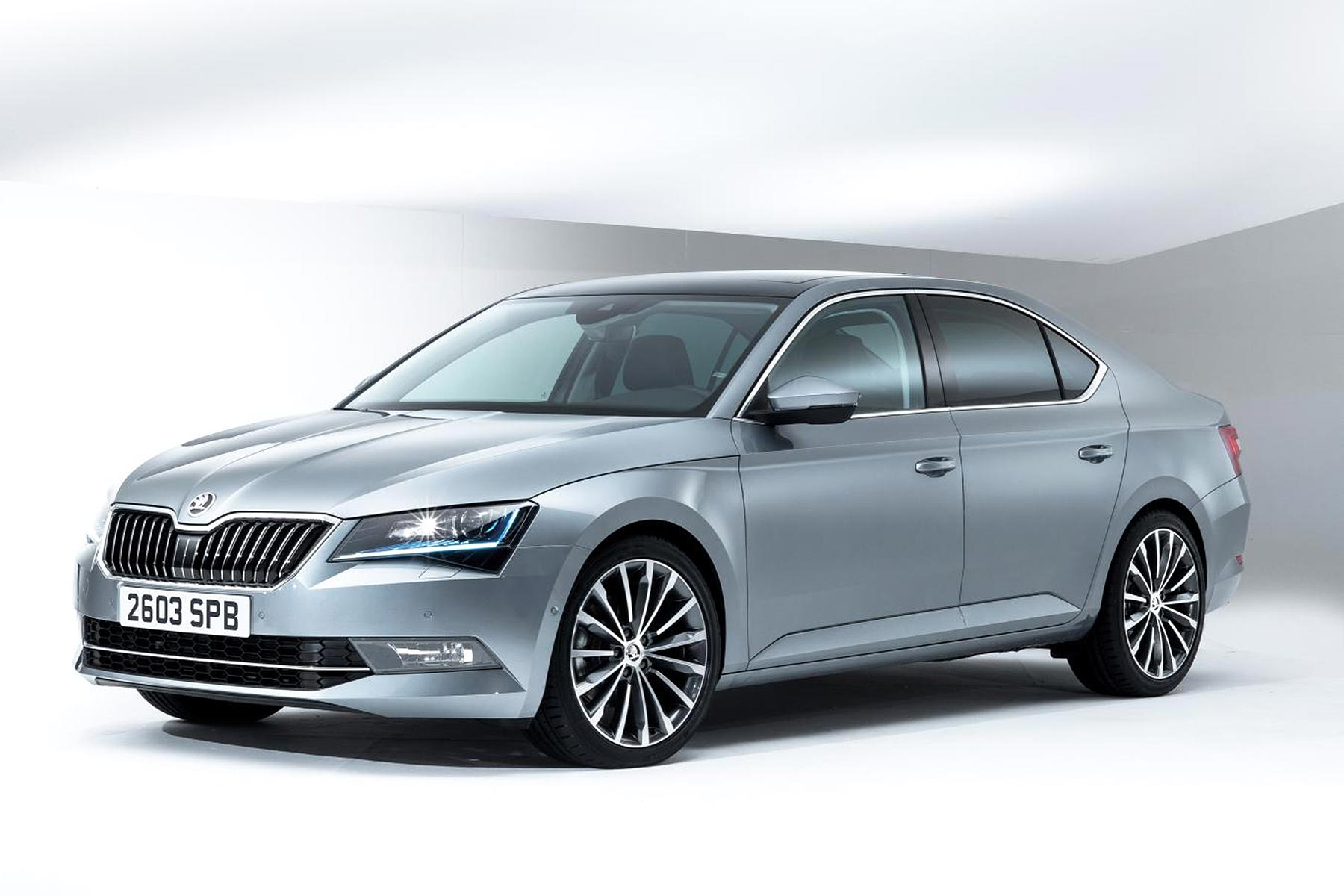skoda superb se business launched for company drivers motoring research. Black Bedroom Furniture Sets. Home Design Ideas