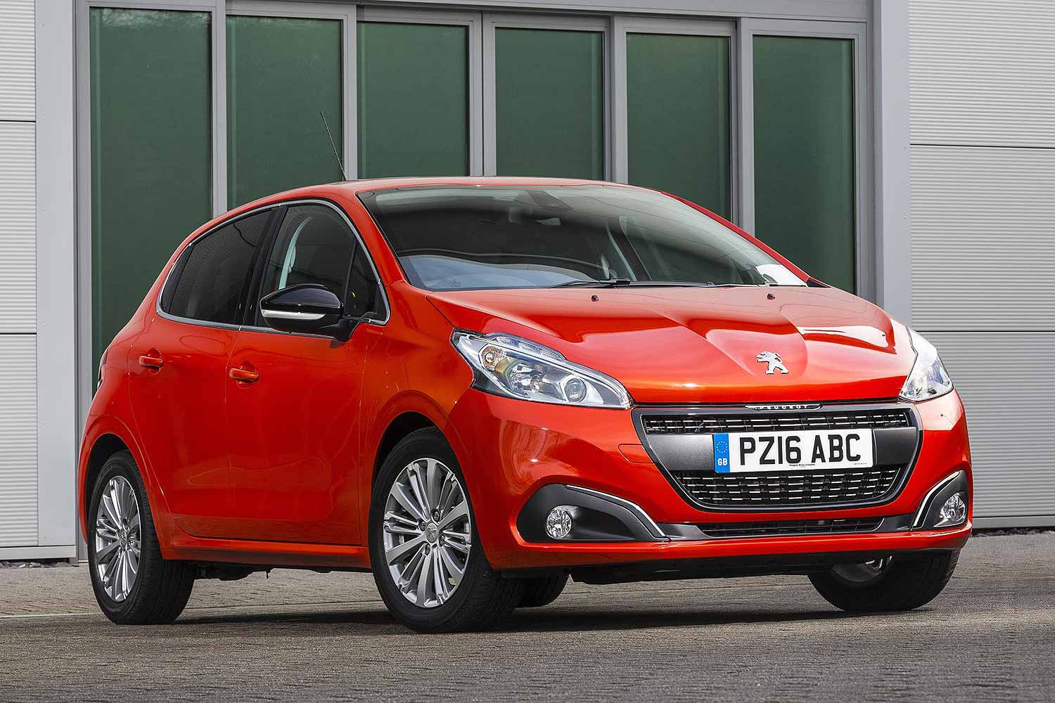 Two Models Share The Honour Of Being Uk S Most Fuel Efficient Car On First Up Is Sel Ed Peugeot 208 Which In Latest Facelifted 1 6