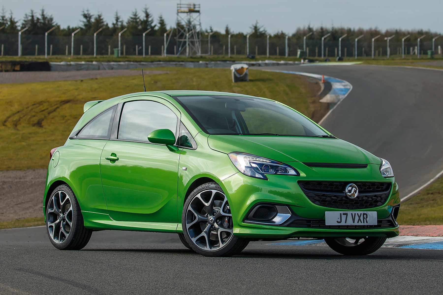 vauxhall corsa vxr performance pack review 2015 first drive motoring research. Black Bedroom Furniture Sets. Home Design Ideas