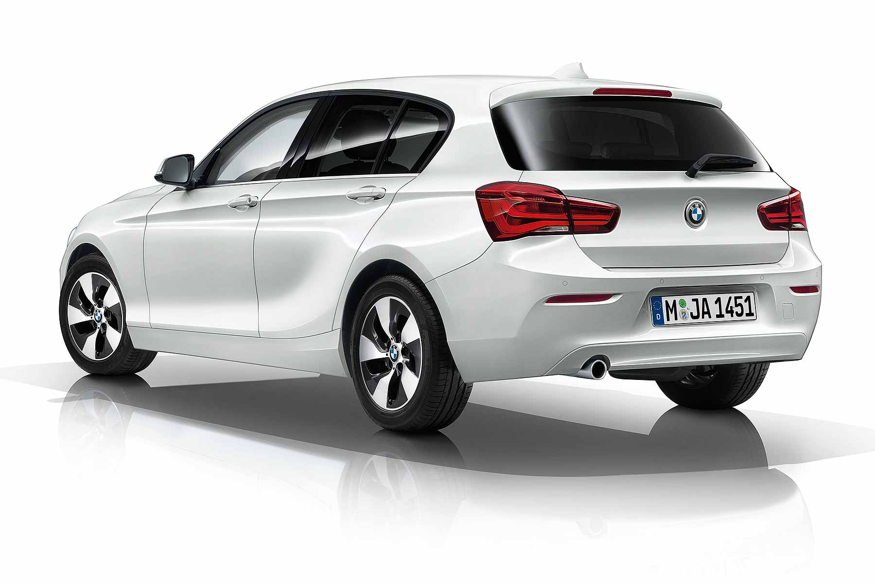 bmw 116d efficientdynamics plus 2015 first drive motoring research. Black Bedroom Furniture Sets. Home Design Ideas