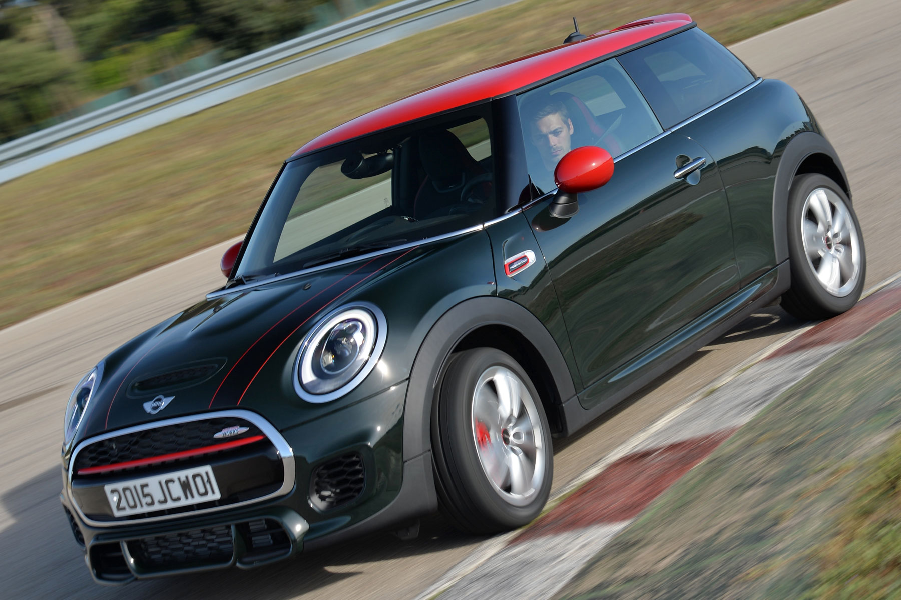 mini john cooper works 2015 first drive motoring research. Black Bedroom Furniture Sets. Home Design Ideas