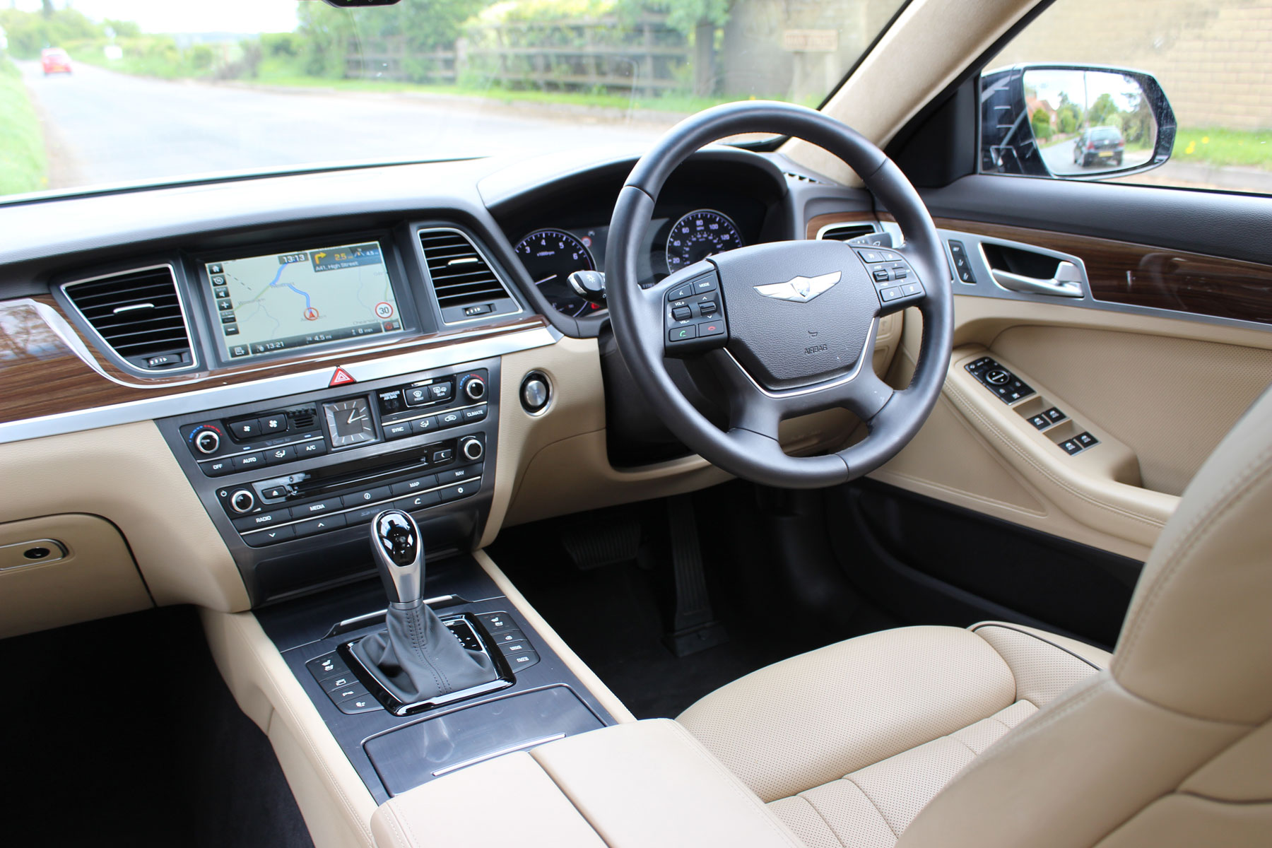03_Hyundai_Genesis_Motoring Research