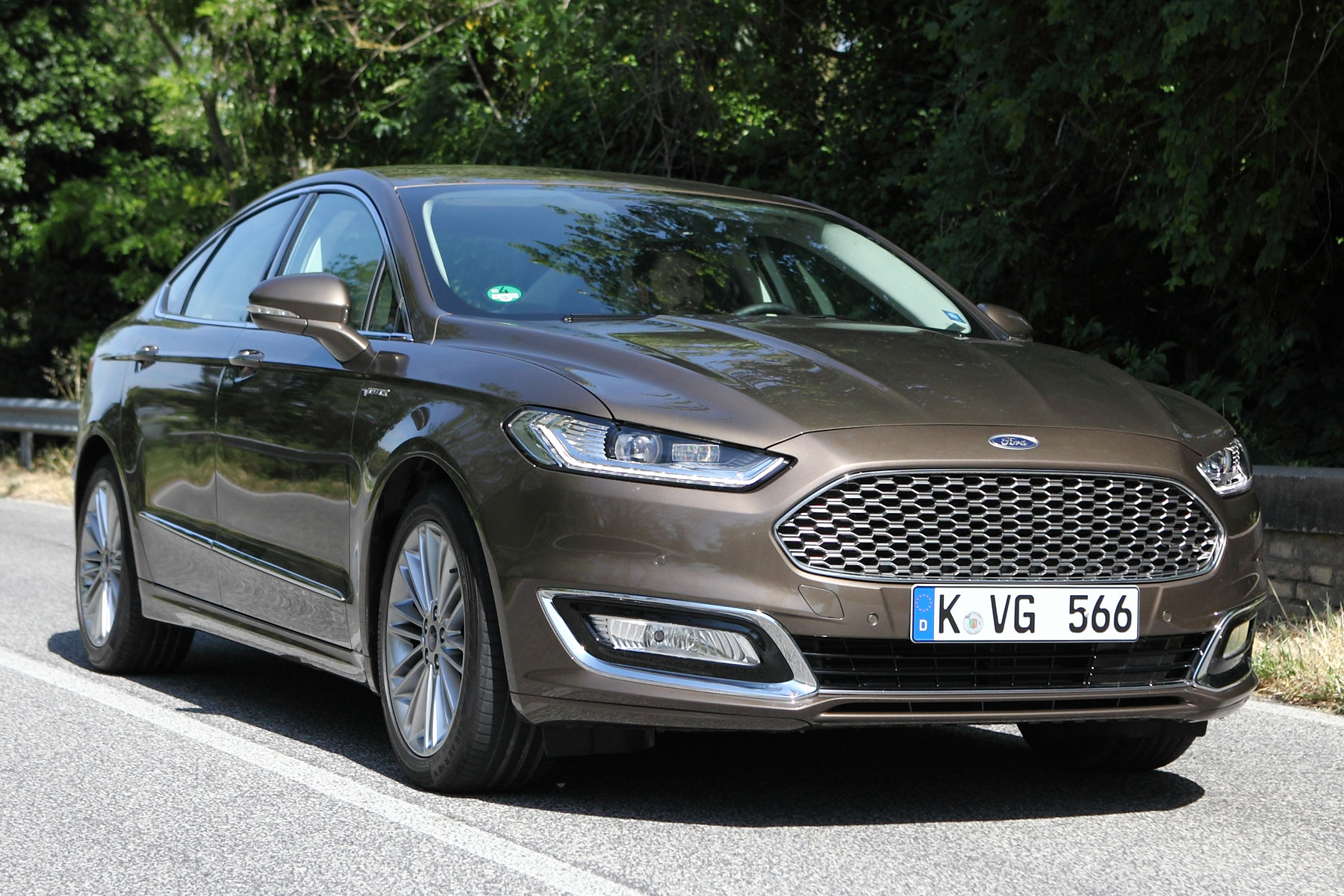 ford mondeo vignale review 2015 first drive. Black Bedroom Furniture Sets. Home Design Ideas