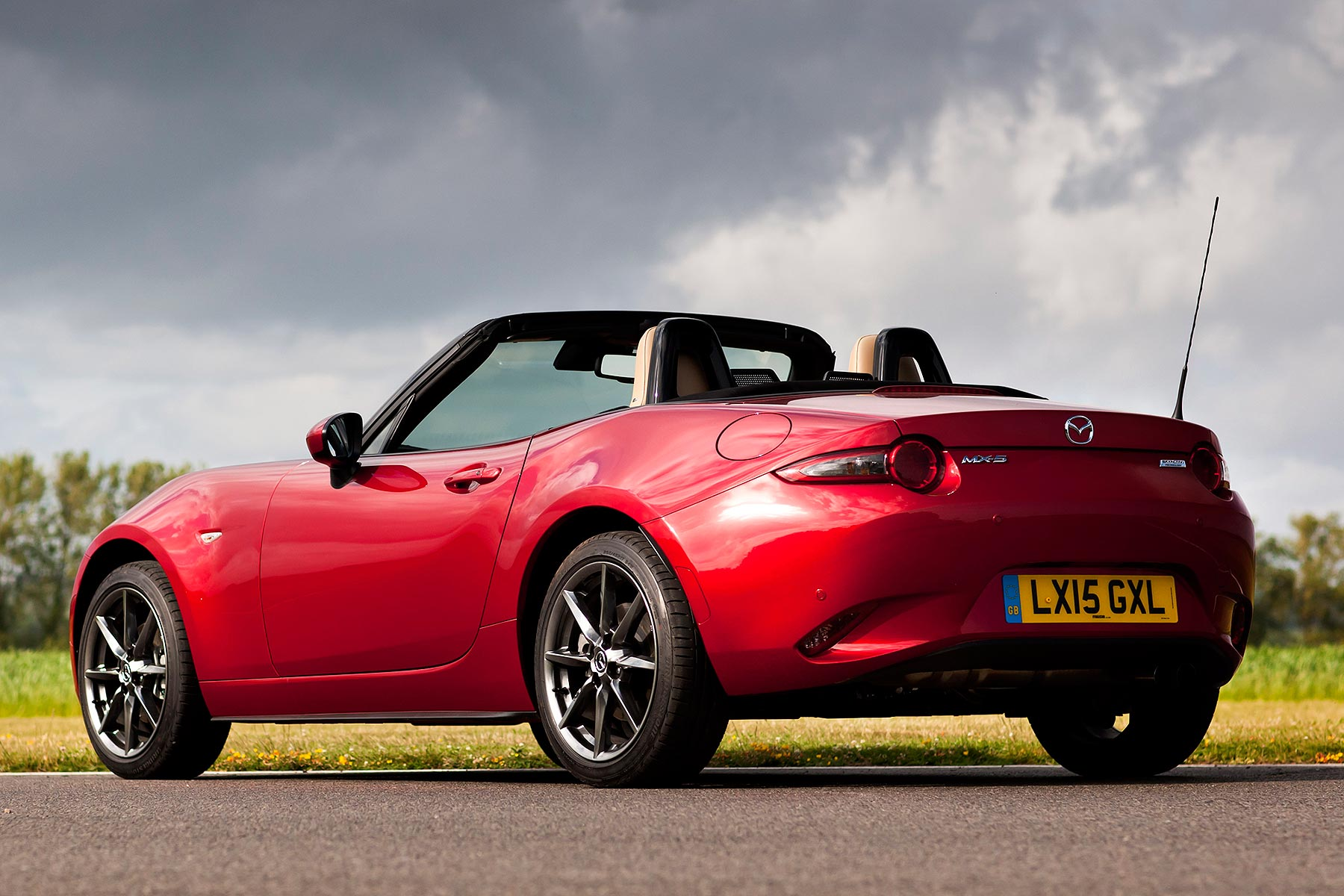 mazda mx 5 1 5 review 2015 preview drive motoring research. Black Bedroom Furniture Sets. Home Design Ideas