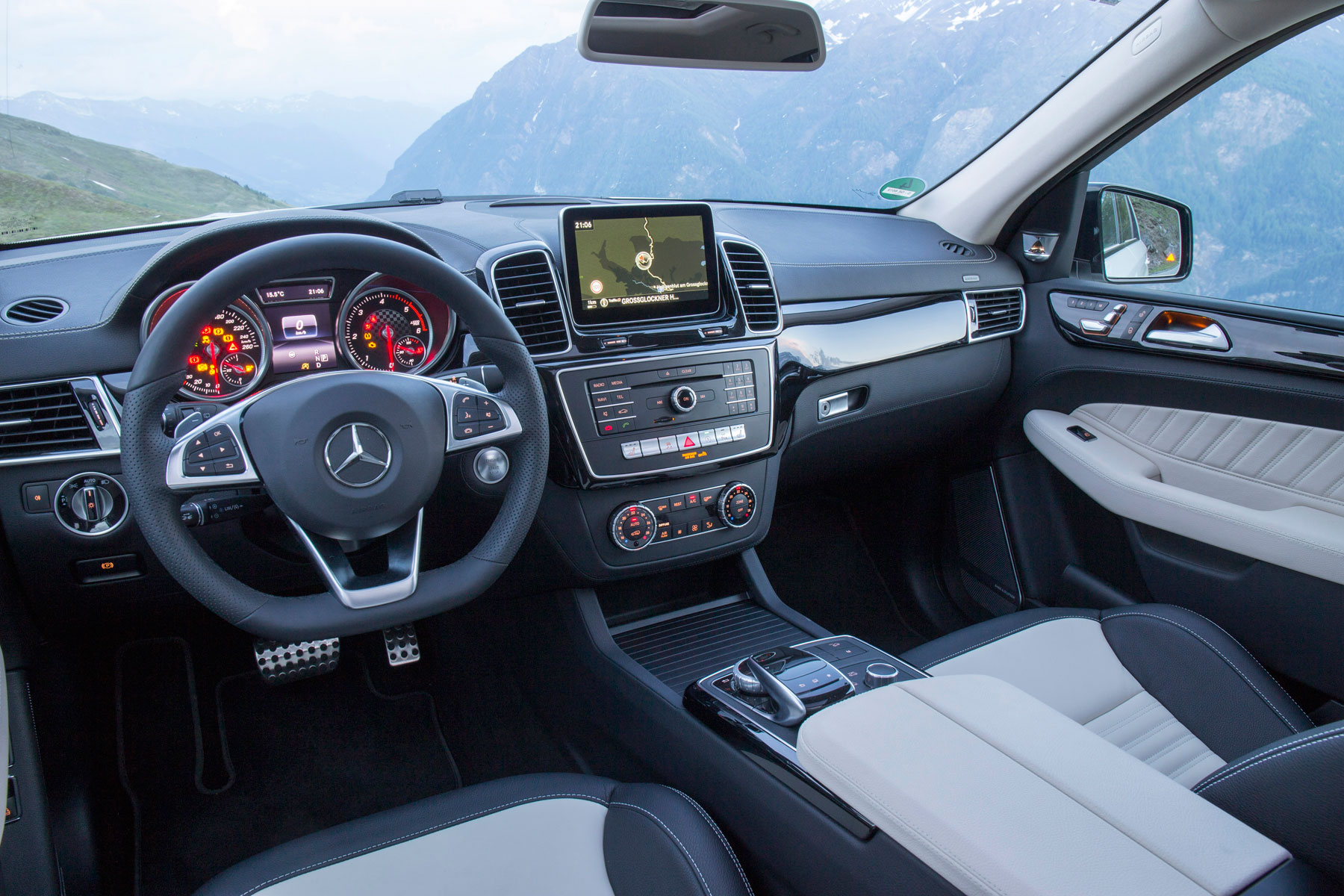 05_Mercedes_GLE_7_Things_Mercedes-Benz