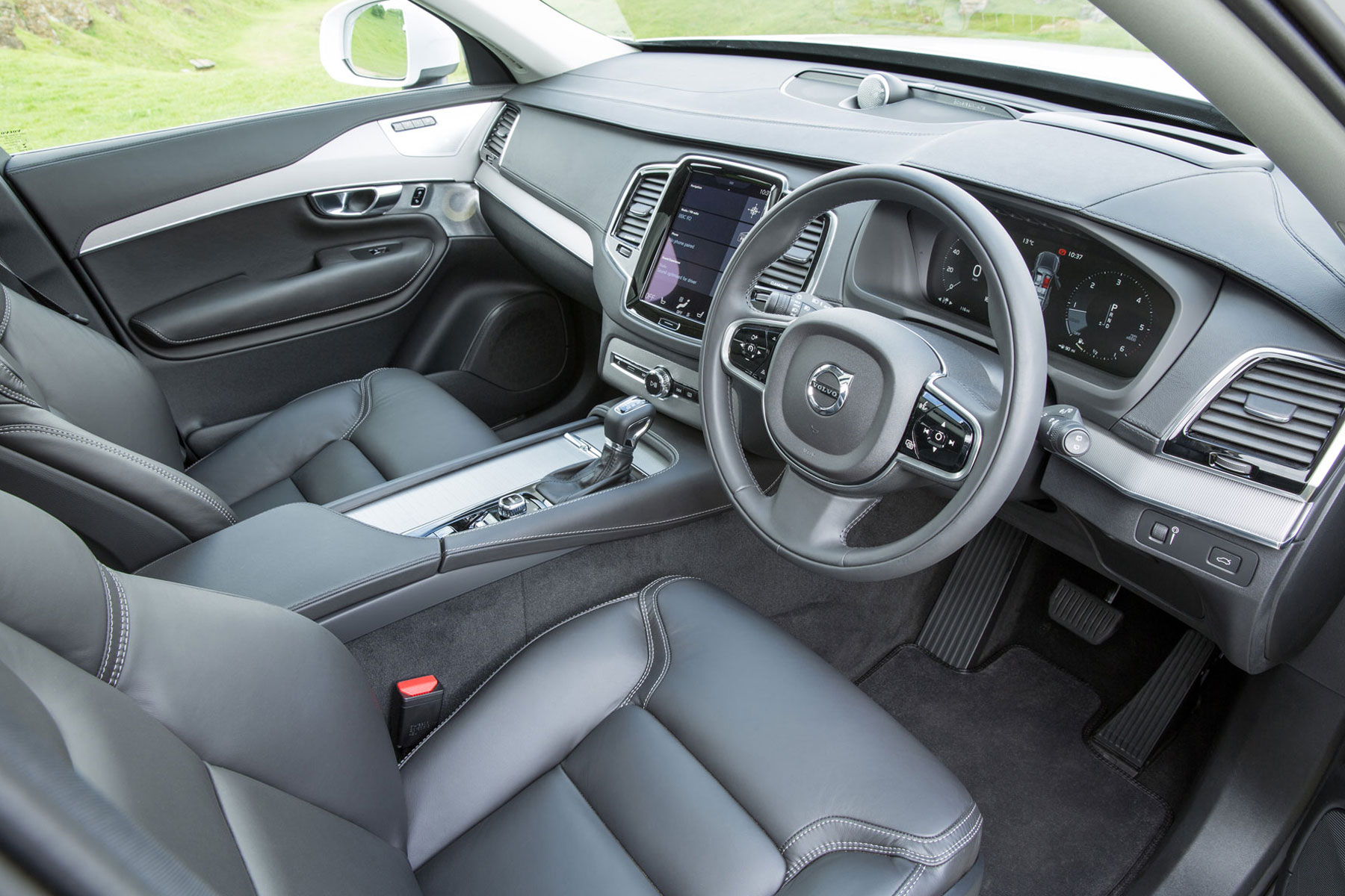 Volvo XC90 review: 2015 UK first drive | Motoring Research