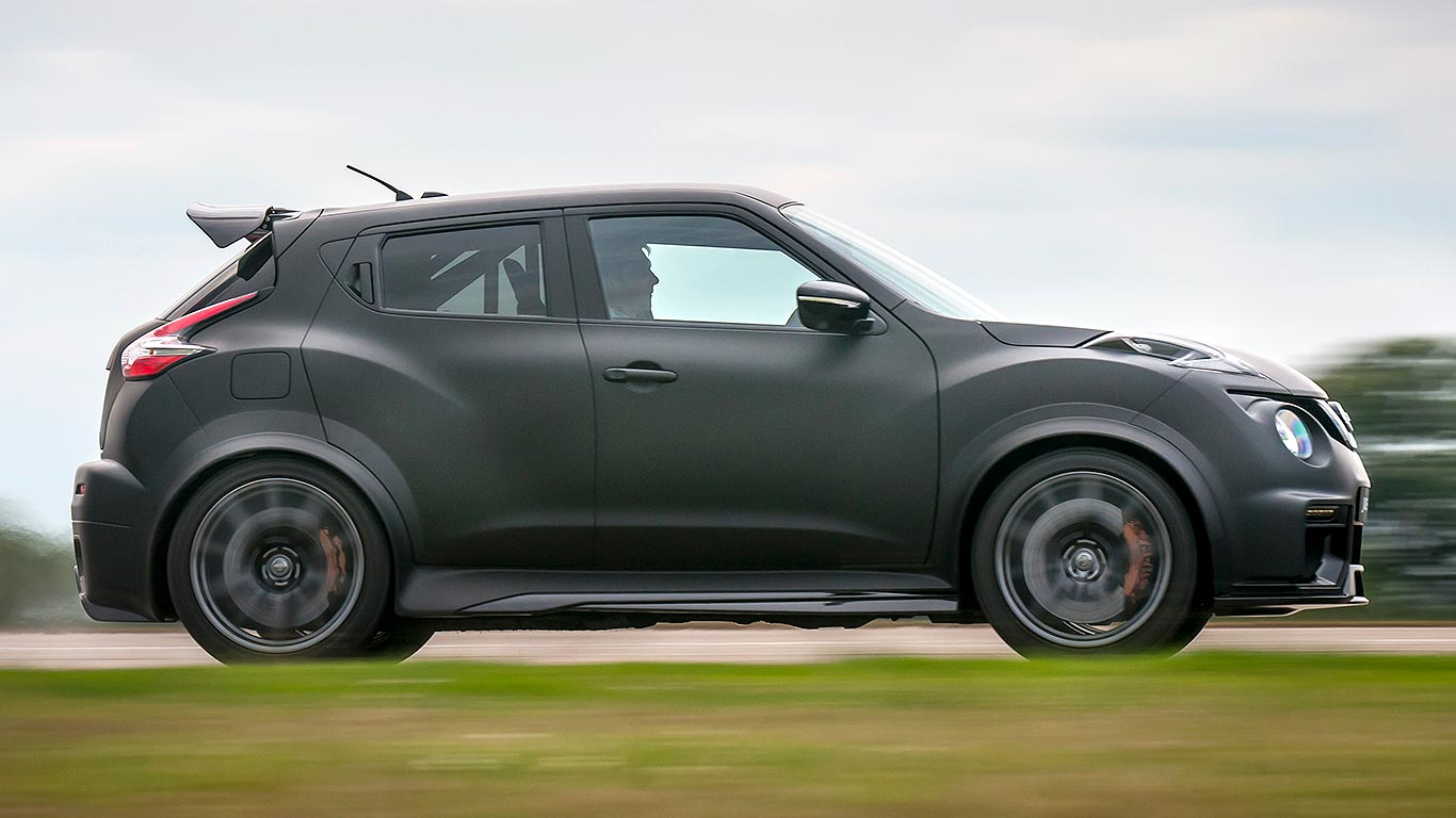 juke rocks meet the 600hp nissan gt r engine d juke r 2 0. Black Bedroom Furniture Sets. Home Design Ideas