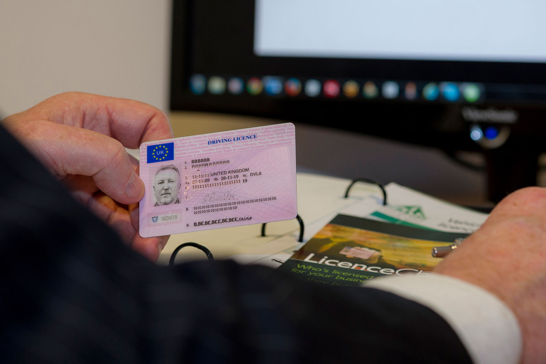 Main_Licencecheck