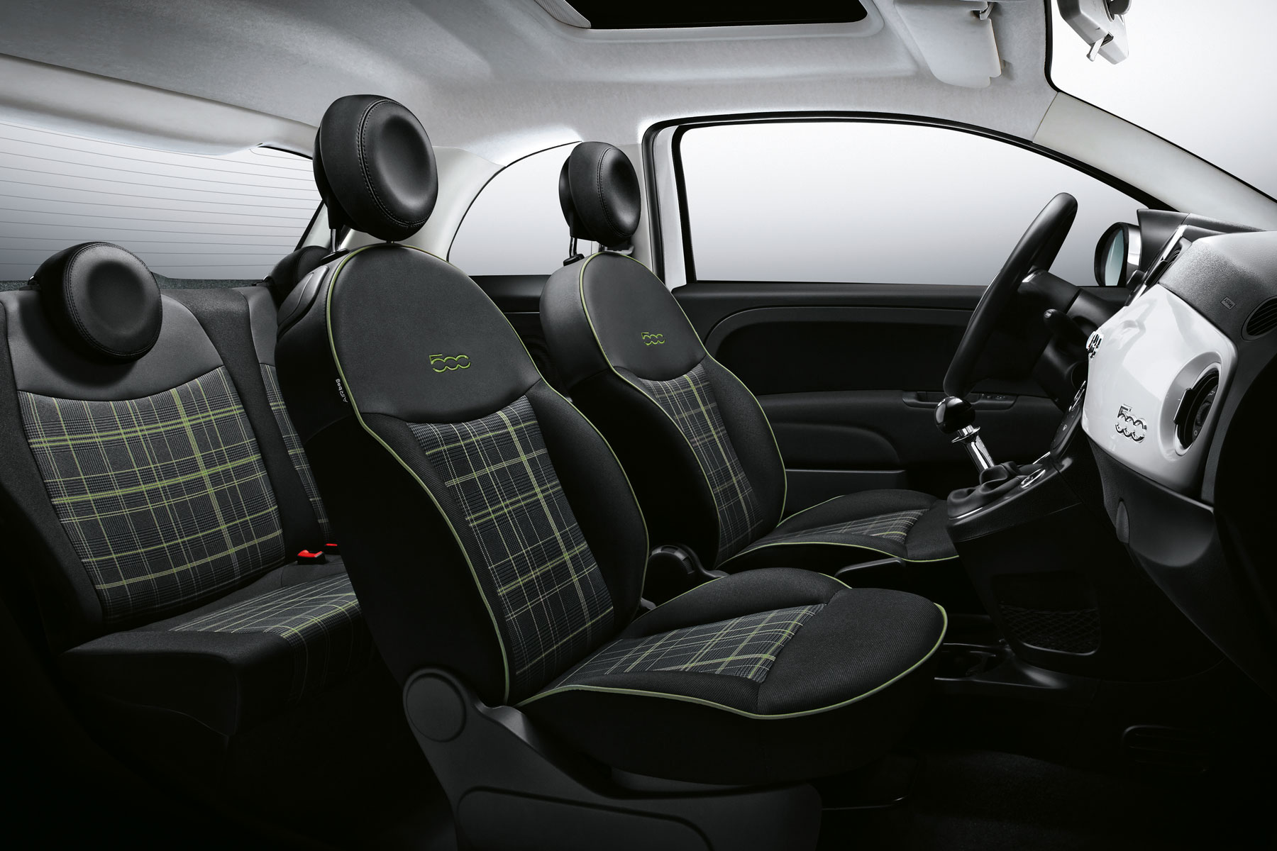 2015 Fiat 500: on the inside