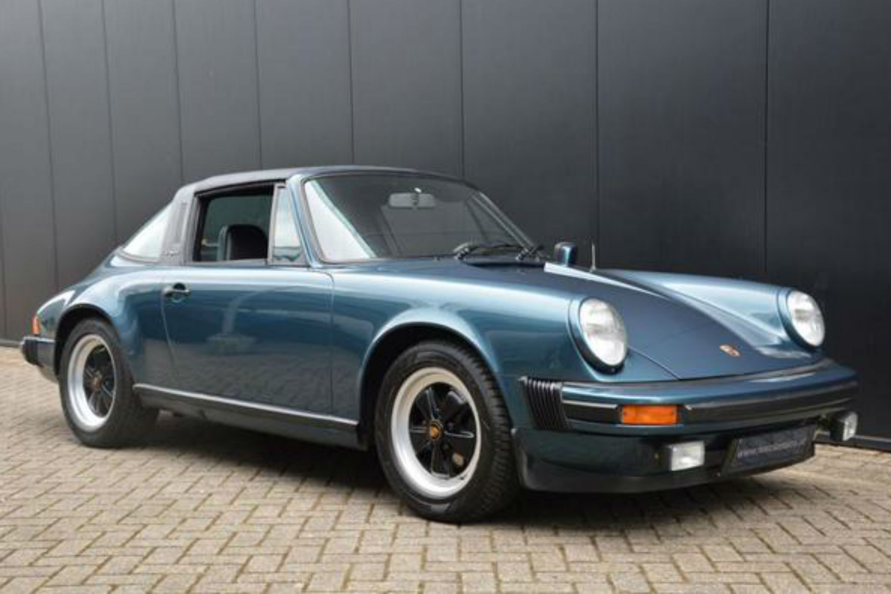 08_Classic Cars_Pmphacets Twitter