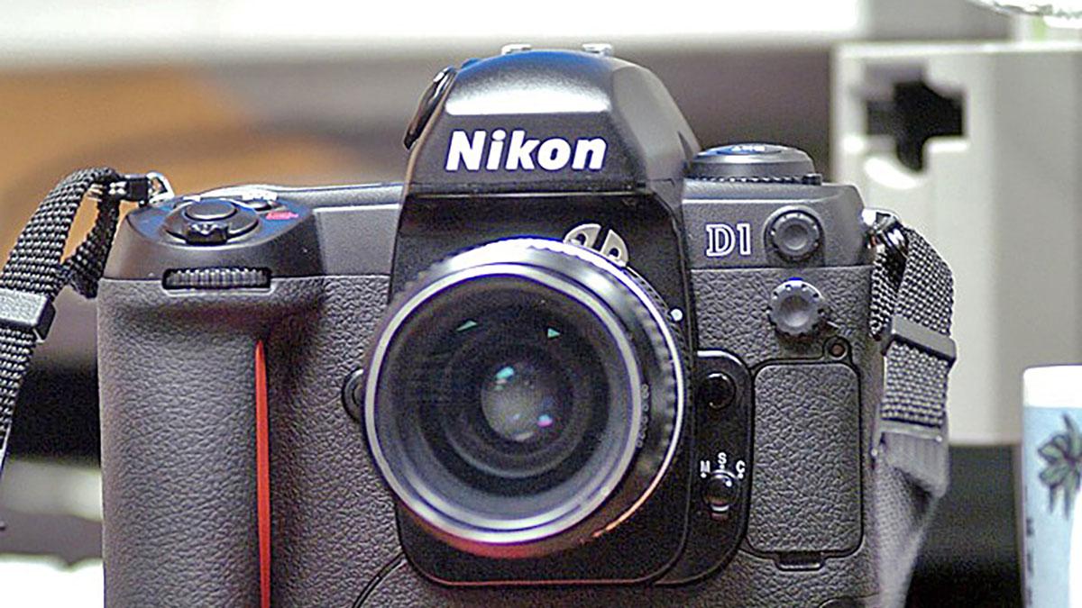 12-nikon-d1