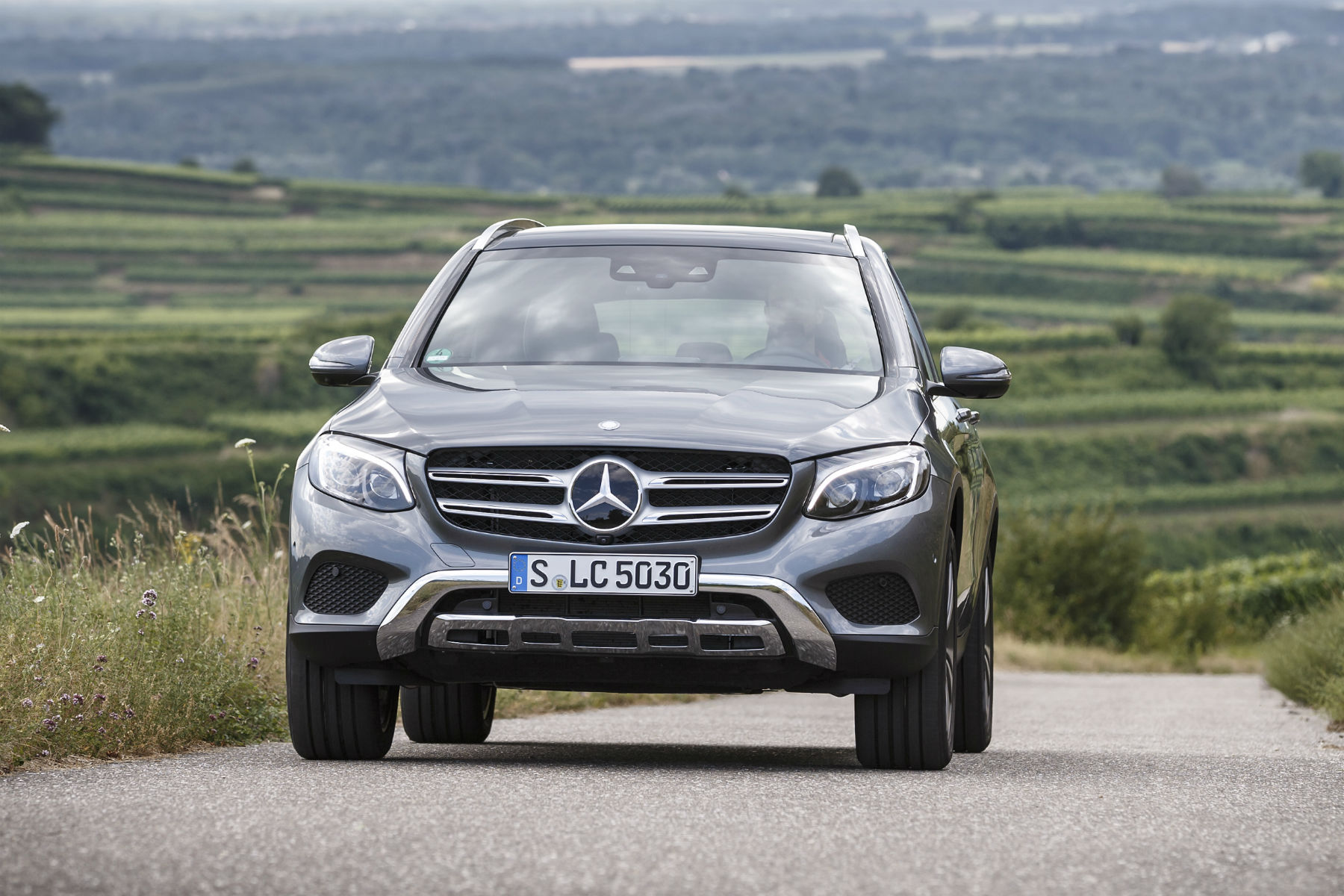 mercedes glc review 2015 first drive. Black Bedroom Furniture Sets. Home Design Ideas