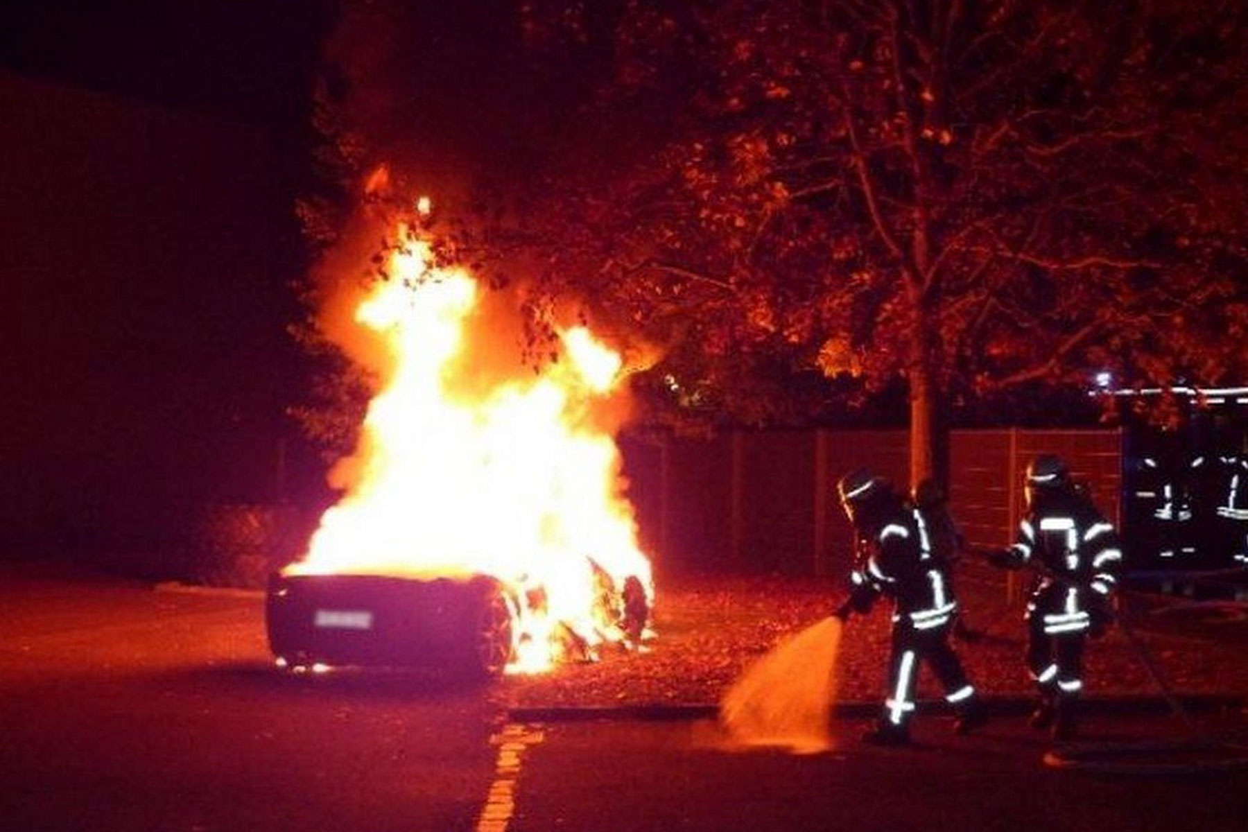 Teenager sets fire to Ferrari 458 –because he wanted a Speciale A