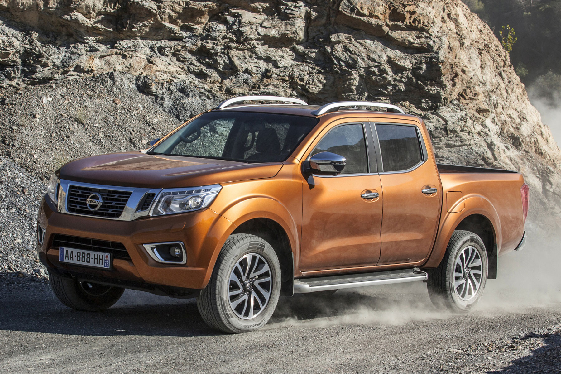 New Nissan Navara revealed ahead of Frankfurt debut