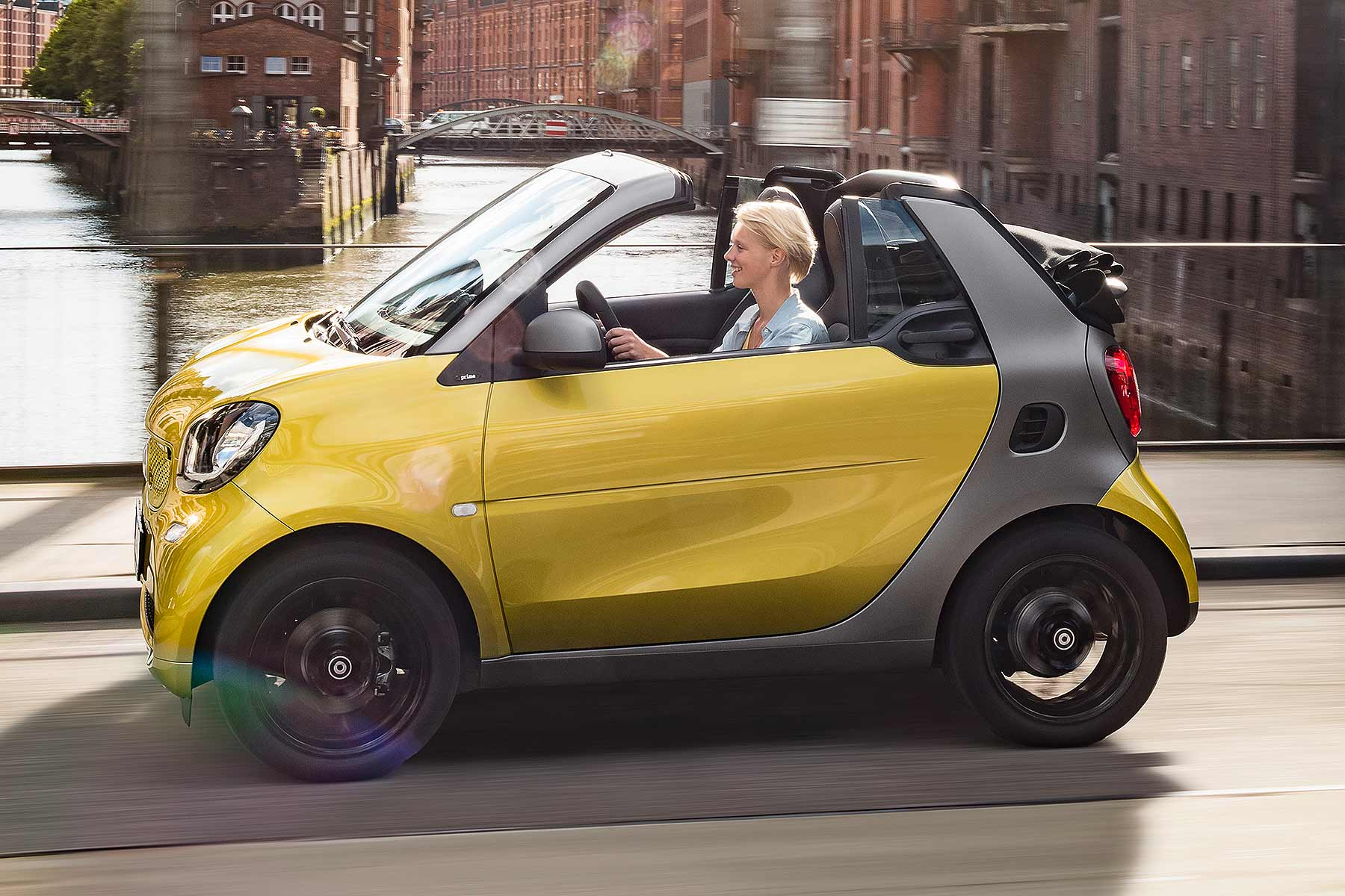 smart fortwo cabriolet to debut at 2015 frankfurt motor. Black Bedroom Furniture Sets. Home Design Ideas