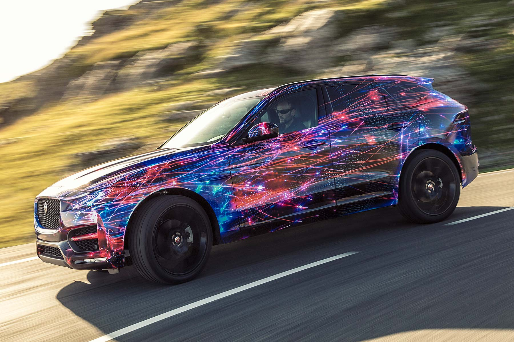 JAGUAR F-PACE 2016 DYNAMIC PREVIEW