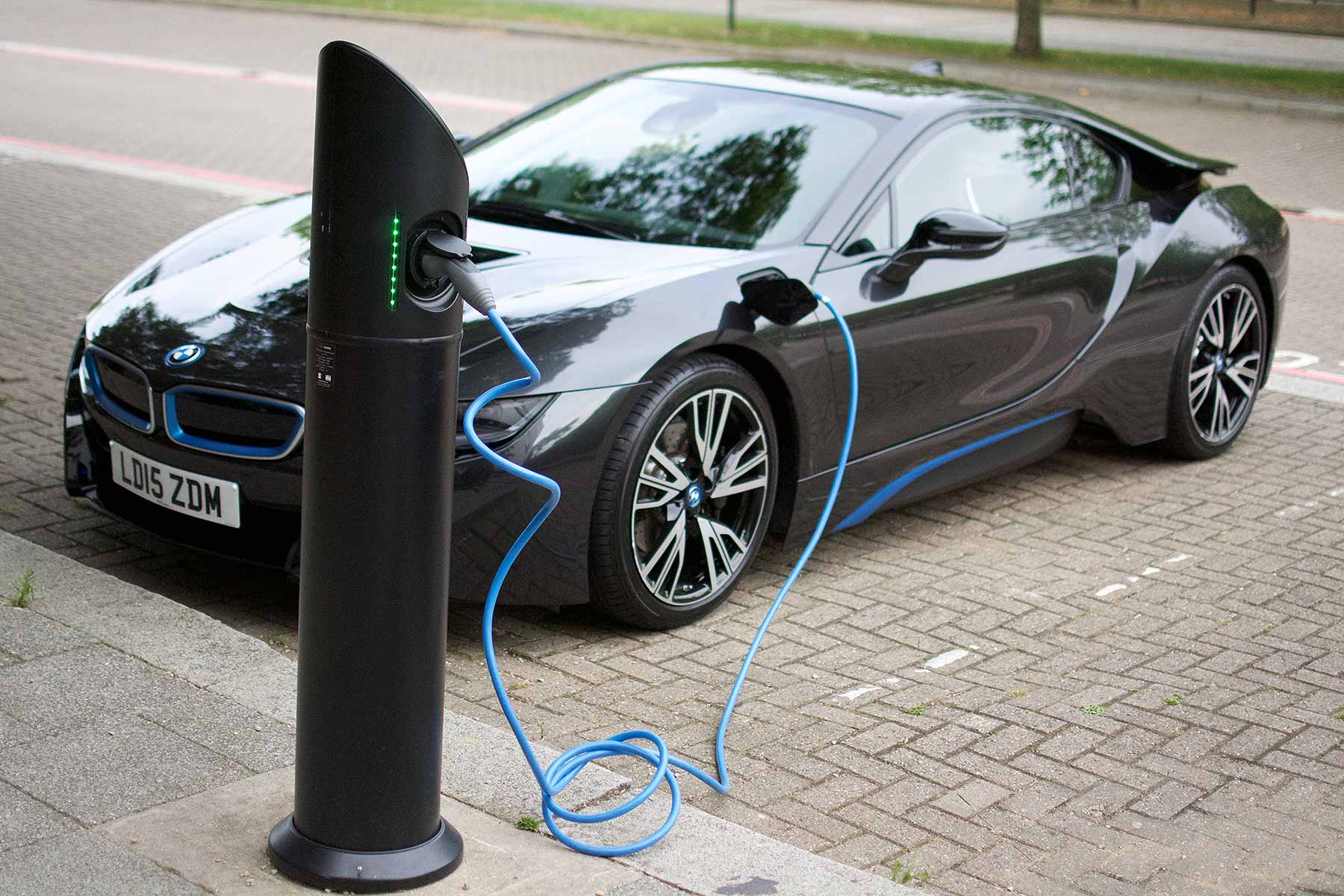 What Is The Cost Of Recharging An Electric Car