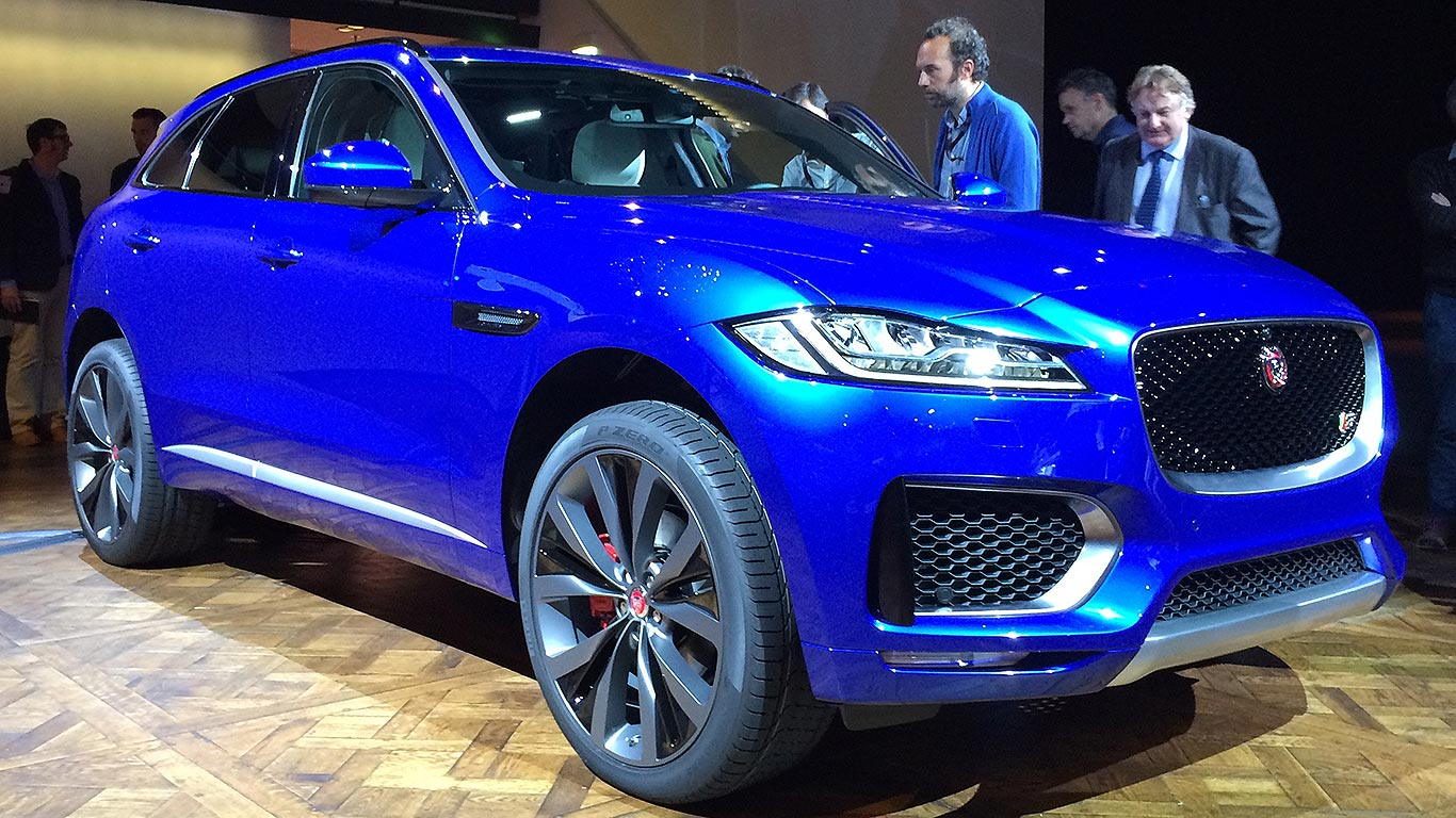 jaguar f pace suv revealed jaguar has made a 4x4 motoring research. Black Bedroom Furniture Sets. Home Design Ideas